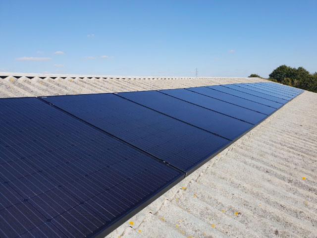 Maison Confort Installation de panneaux solaires,Installation panneaux solaires