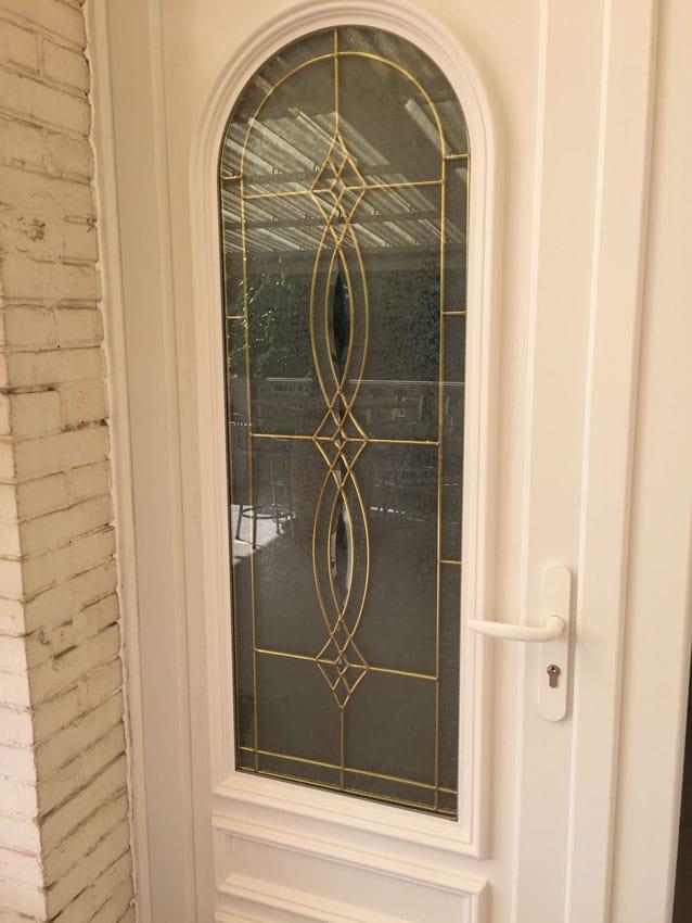Pose d'une porte d'entrée,Installation rénovation portes et fenêtres, porte de garages, portail