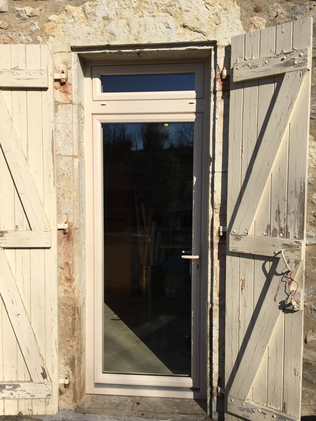 Installation porte,Installation portes et fenêtres Maison Confort Occitanie